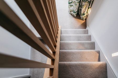 http://Carpeted%20staircase