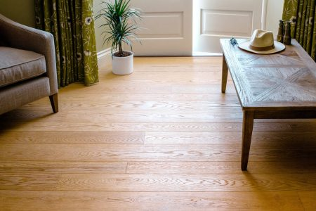http://Wood%20flooring%20in%20a%20sitting%20room